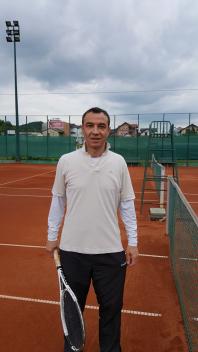 Aleksandar Vujadinović